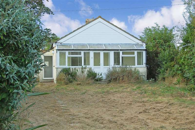 3 Bedrooms Detached Bungalow for sale in Tower Estate, Dymchurch, Romney Marsh, Kent