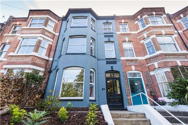 1 Bedroom Flat for sale in FFF, Lower Park Road, HASTINGS, East Sussex, TN34