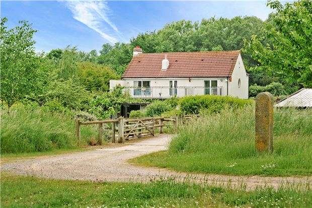 5 Bedrooms Detached House for sale in Golden Valley, Bitton, Bristol, BS30 6NZ