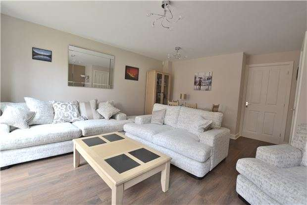 3 Bedrooms Semi Detached House for sale in Quayside Way, Hempsted, GLOUCESTER, GL2 5EX