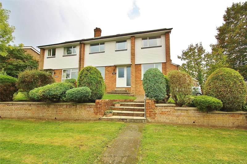 4 Bedrooms House for sale in Barley Mow Lane, Knaphill, Woking, Surrey, GU21