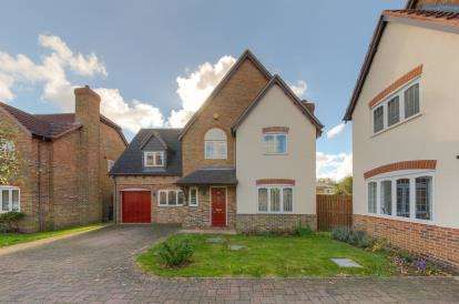 4 Bedrooms Detached House for sale in The Chase, Kempston, Bedford, Bedfordshire