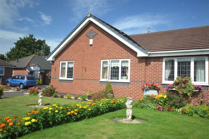 2 Bedrooms Bungalow for sale in Ciaran Close, West Derby, Liverpool