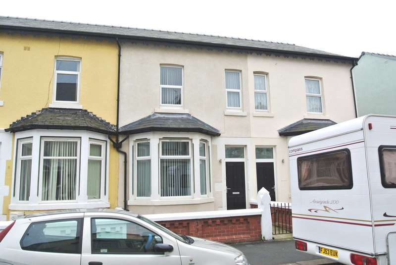 5 Bedrooms House for sale in Crystal Road, Blackpool, FY1 6BS
