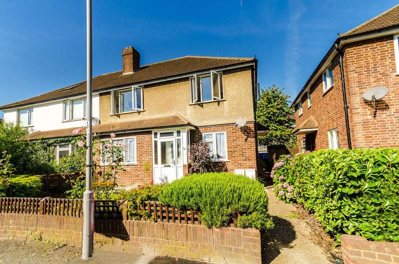 2 Bedrooms Maisonette Flat for sale in Verona Drive, Tolworth, KT6
