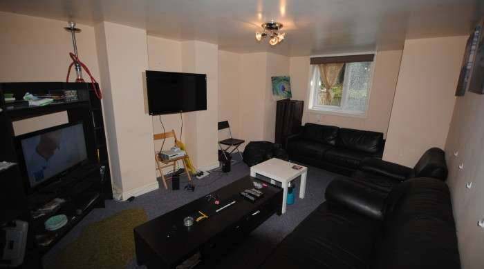 7 Bedrooms Terraced House for rent in Headingley Avenue, Headingley, LS6