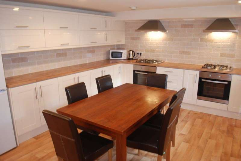 7 Bedrooms Terraced House for rent in Ash Road, Headingley, LS6