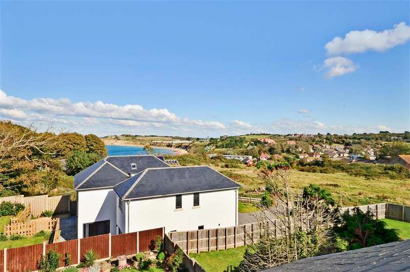 5 Bedrooms Detached House for sale in Fort Warden Road, Totland Bay, Isle of Wight