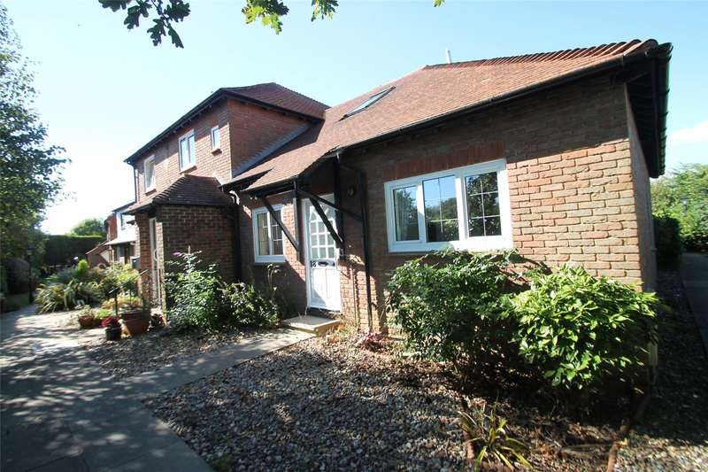 2 Bedrooms Apartment Flat for sale in The Street, Rustington, West Sussex, BN16
