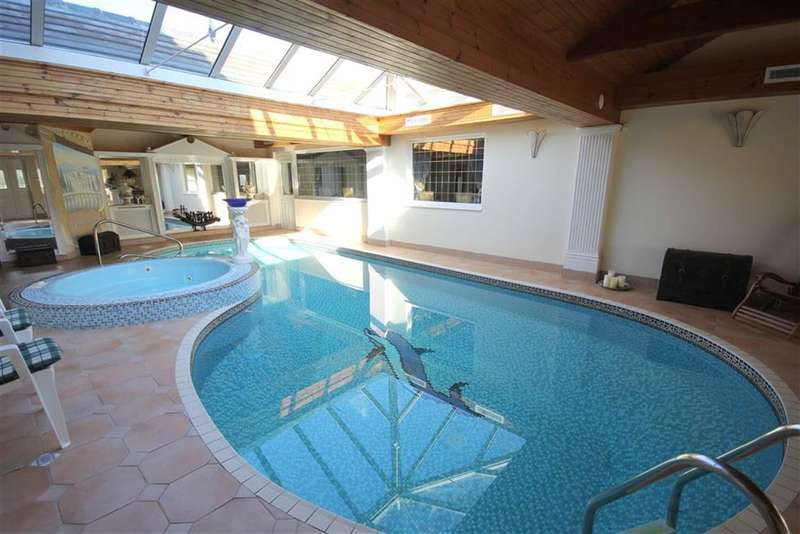 5 Bedrooms Property for sale in Beach Avenue, Fairhaven, Fairhaven