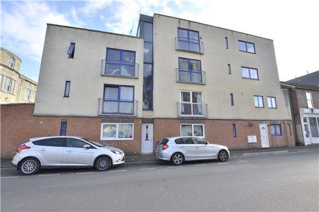 2 Bedrooms Flat for sale in Wellington Court, Wellington Street, GLOUCESTER, GL1 1RB