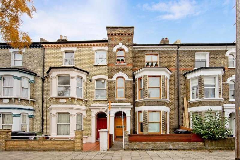 2 Bedrooms Flat for sale in Stansfield Road, London SW9