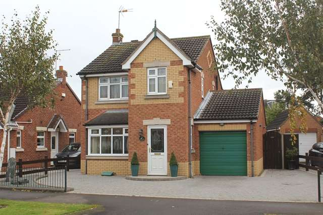 3 Bedrooms Detached House for sale in 132 Lindengate, Hull HU7 0EE. Fantastic three bed detached family home.