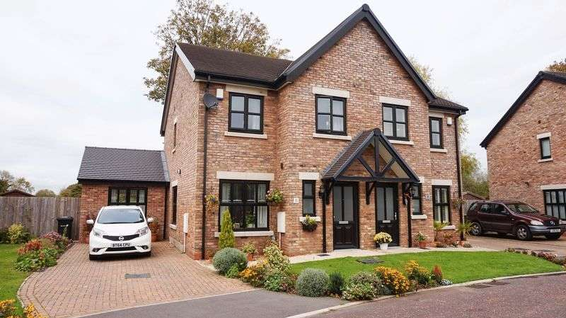 3 Bedrooms Semi Detached House for sale in Pool Bank Gardens, Lymm