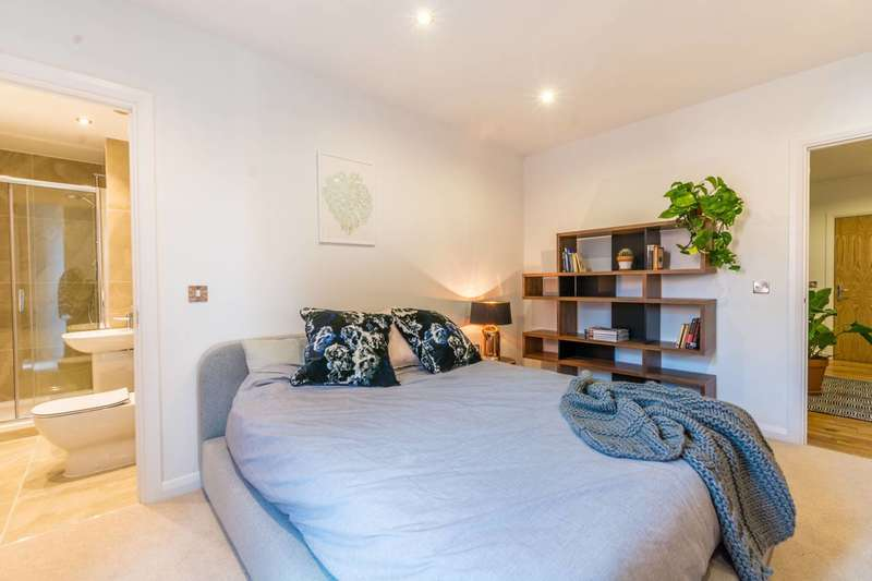 1 Bedroom Flat for sale in Crondall House, Hoxton, N1