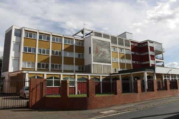 3 Bedrooms Apartment Flat for sale in Hope Street, Grimsby, South Humberside, DN32 7QL