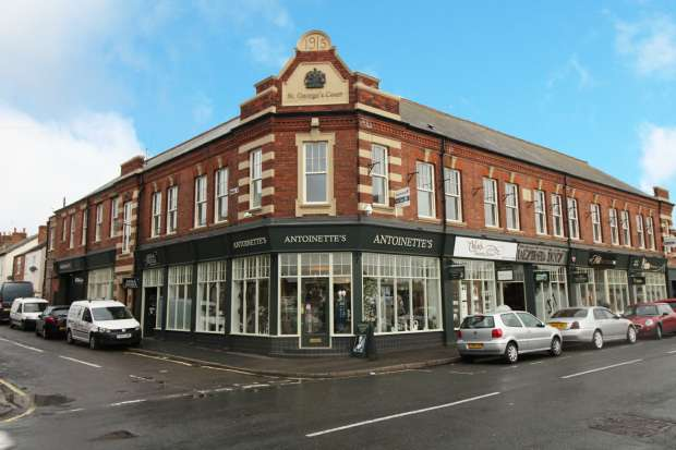 2 Bedrooms Apartment Flat for sale in 1 St Georges Court, Nottingham, Nottinghamshire, NG16 4EH