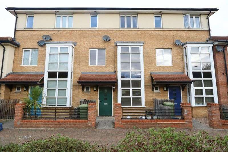 3 Bedrooms Terraced House for sale in Seaton Grove, Milton Keynes