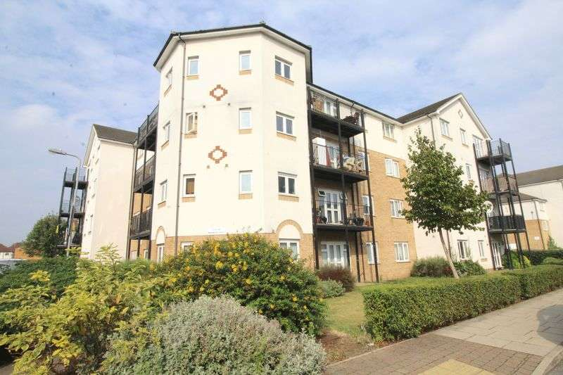 2 Bedrooms Flat for sale in Enstone Road, Enfield