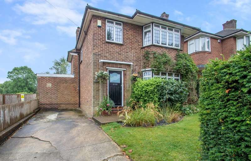 3 Bedrooms Detached House for sale in Derwent Drive, Purley, CR8 1ER