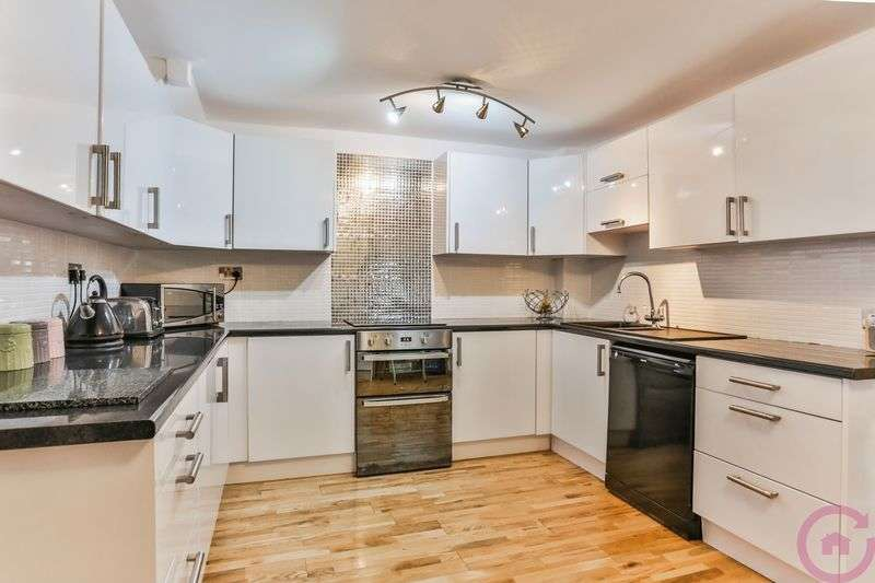 3 Bedrooms Terraced House for sale in Linwell Close, Cheltenham