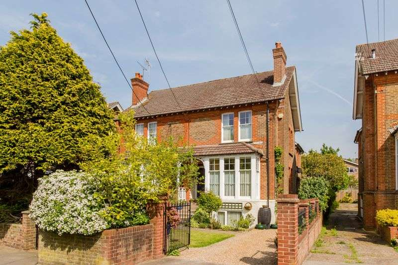 6 Bedrooms Semi Detached House for sale in Mill Road, Burgess Hill
