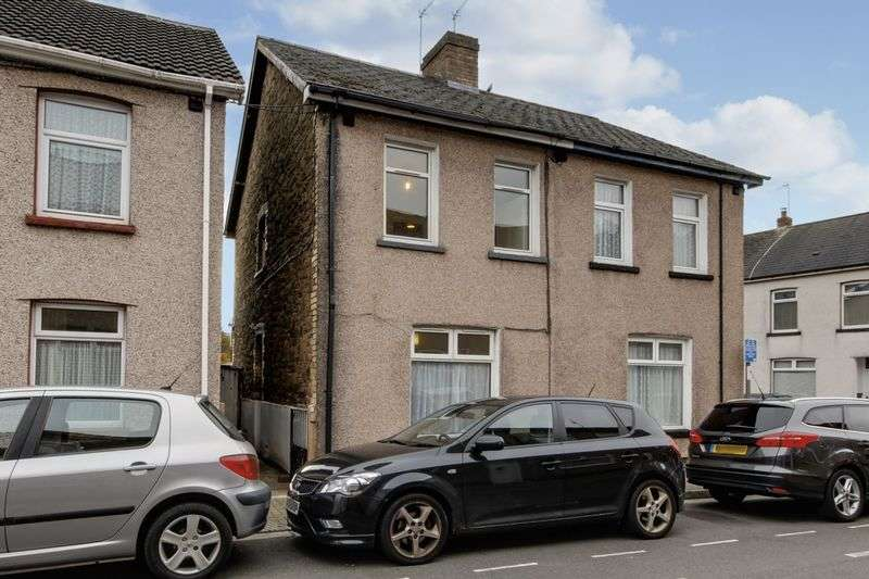 3 Bedrooms Semi Detached House for sale in Wesley Place, Newport