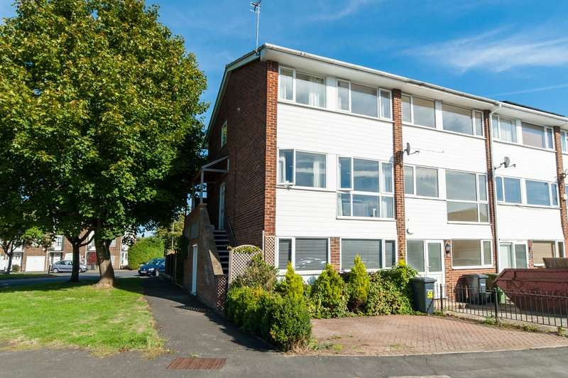 3 Bedrooms Maisonette Flat for sale in lammasmead, broxbourne, Hertfordshire, EN10