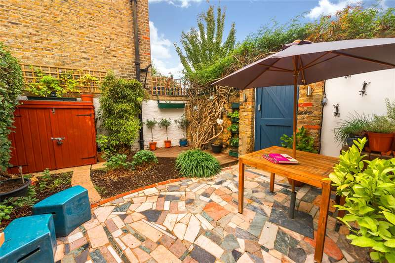 2 Bedrooms End Of Terrace House for sale in Tyneham Road, London, SW11