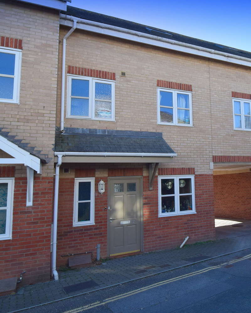 4 Bedrooms Terraced House for sale in Lucky Lane, Exeter