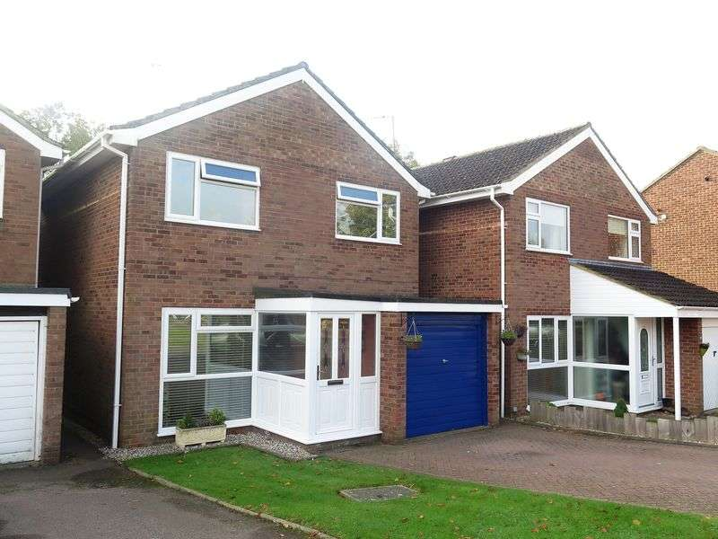 3 Bedrooms Detached House for sale in Sussex Drive, Banbury