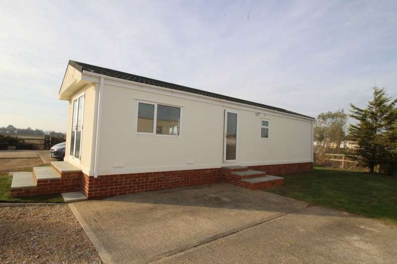 2 Bedrooms Bungalow for sale in Warden Bay Road, Leysdown-On-Sea, Sheerness, ME12