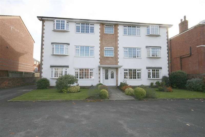 2 Bedrooms Property for sale in Queens Road, Southport