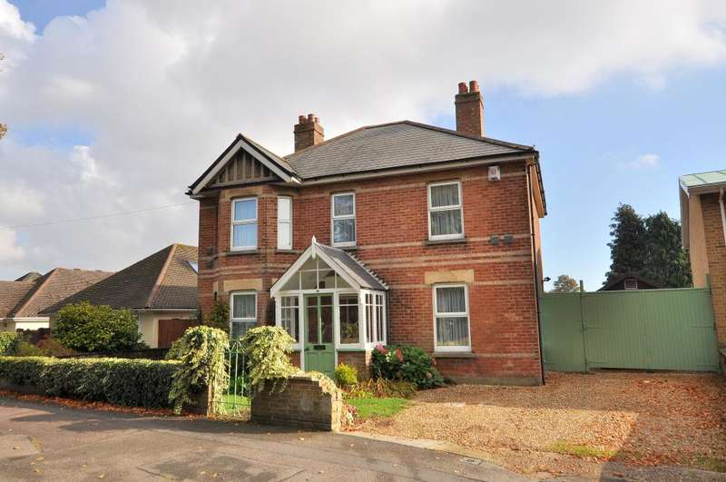 4 Bedrooms Detached House for sale in Bournemouth