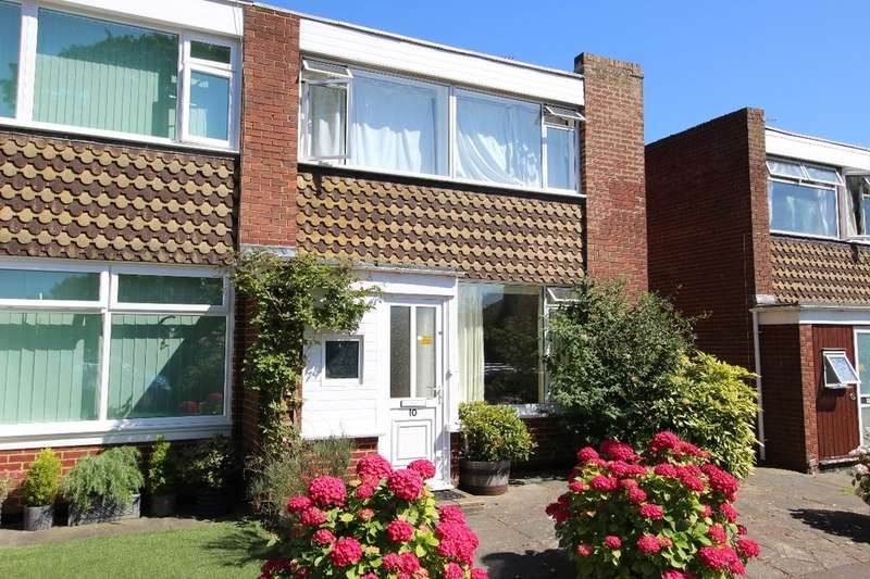 3 Bedrooms Property for sale in Luton Court, Broadstairs, CT10