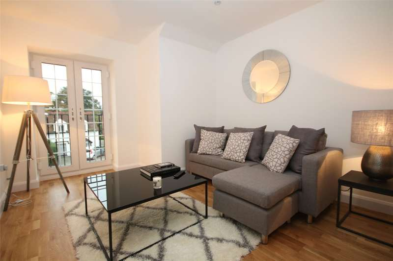 2 Bedrooms Apartment Flat for sale in Church Road, Addlestone, Surrey, KT15