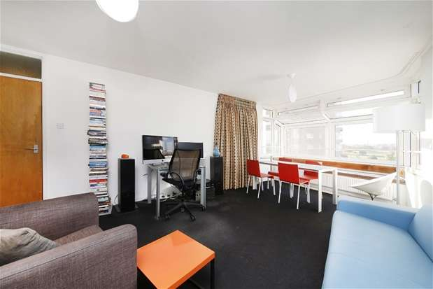 1 Bedroom Flat for sale in Railton Road, Herne Hill