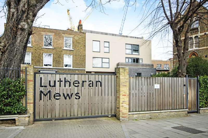 2 Bedrooms Flat for sale in Dalston, Dalston, E8
