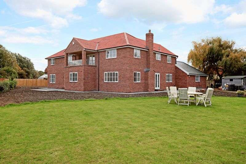 4 Bedrooms Detached House for sale in Hunters Moon, 39a Conway Crescent, Burnham-On-Sea