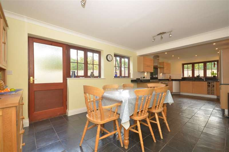 4 Bedrooms Detached House for sale in Mill Lane, Ashington, West Sussex