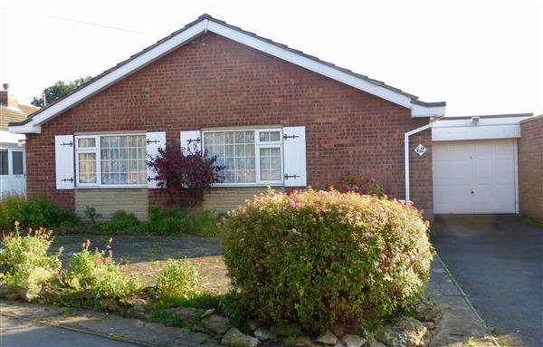 3 Bedrooms Bungalow for sale in Endcliffe Avenue, Scunthorpe