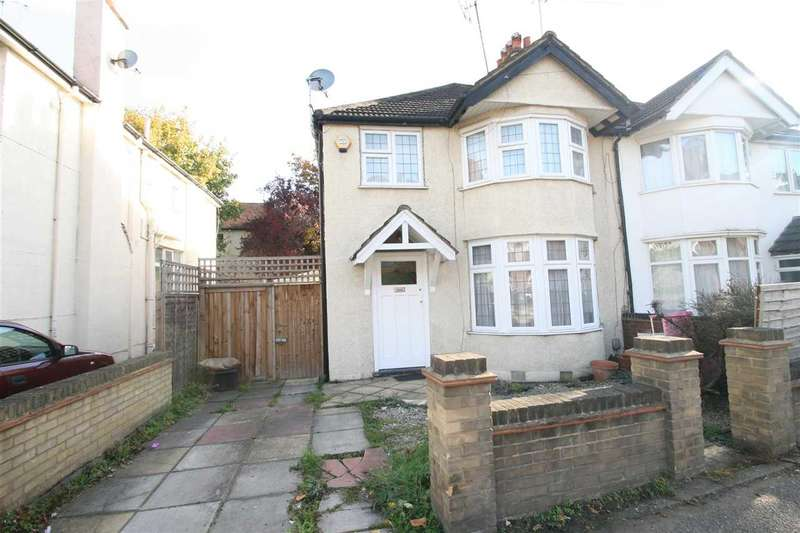 3 Bedrooms Semi Detached House for sale in Aldenham Road, Bushey