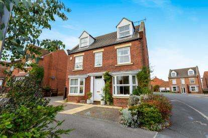 5 Bedrooms Detached House for sale in Chancel Way, Whitby, North Yorkshire