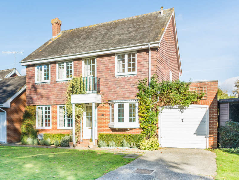 4 Bedrooms Detached House for sale in Parsons Walk, Walberton
