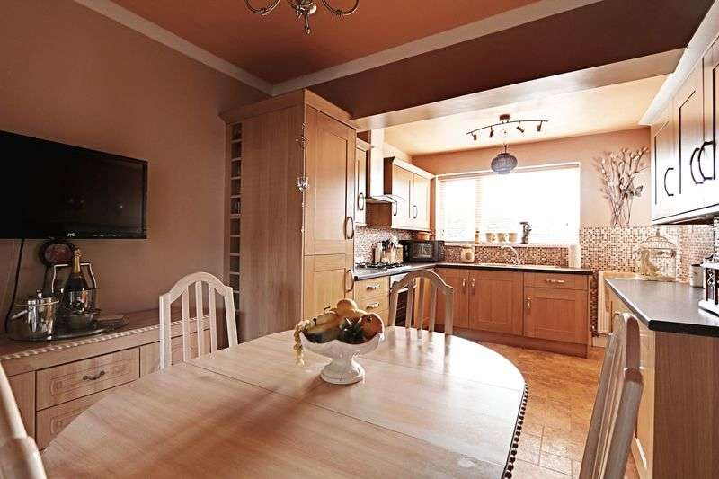 3 Bedrooms Terraced House for sale in Ridgeway Road, Hull