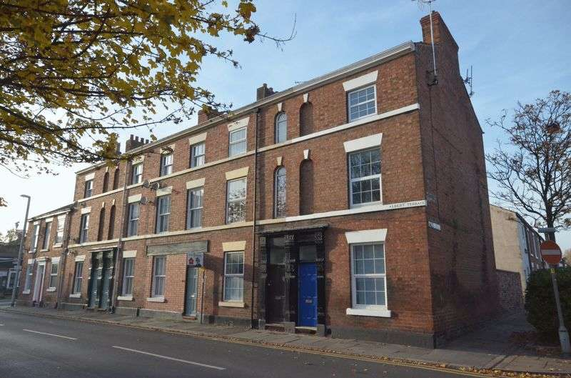 4 Bedrooms Terraced House for sale in St. Anne Street, Newtown, Chester