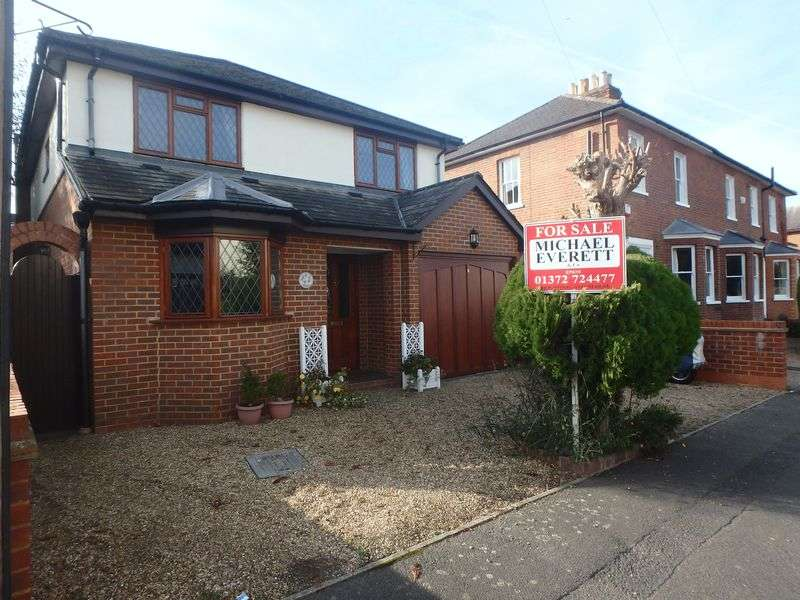4 Bedrooms Detached House for sale in Ladbroke Road, Epsom