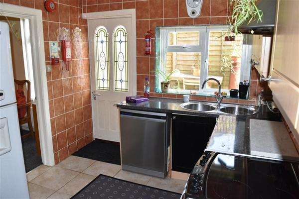 1 Bedroom House Share for rent in Queensland Road, Bournemouth