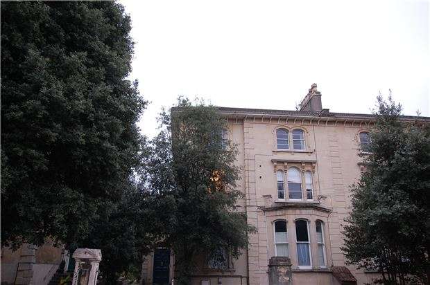 1 Bedroom Flat for sale in Belgrave Road, BRISTOL, BS8 2AB