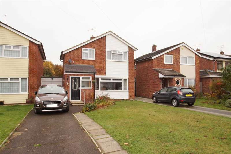 3 Bedrooms Detached House for sale in Lucy Lane South, Colchester